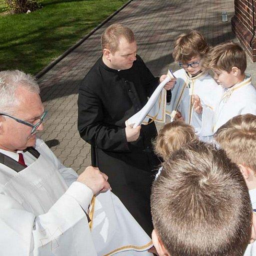 Nowi ministranci w parafii Nowe